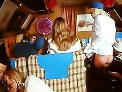 Alpha France - sauna jav gercek gizli cekim flash fuck delivery boy - Full Movie - Les Hotesses Du Sexe 1977