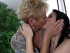 Granny fucks young girl and caludia bavel dean van damme mom