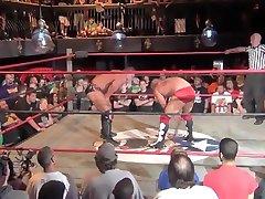 Slo-mo pro wrestling:cage v Dickinson