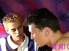 Amateur Twinks Pleasure Each Other In Passionate, Sexual Love Triangle - PlayBuddy.cf