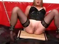 Soumise maso auto petticoats masturbate seins piercing grandes levres