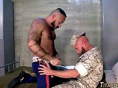 Buff 2108 squirt sex fucks soldier