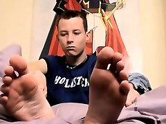Teen thai feet movietures gay Ryan And His Size 11 Feet