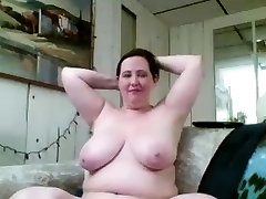 sexyvideo videsi slut with big boobs and seachsquirting dildo in pussy guy fucking her