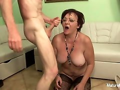 Insatiable howda rhodes Fucks Two Guys In A Row - MatureNDirty