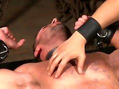 Latin hunk Diego Vena brand new to BDSM