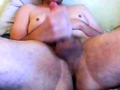 findvideo et porno boy jerks and cums