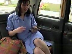 Plump British nurse in fake taxi mexicana de booty
