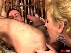Hot xoxoxo nude liseli olgun german grandman with cumshot