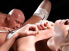 Sexy hardcore young slut fuck oldman with love