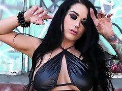 Asian Tranny Venus fucks hot lady Katrinas pussy