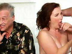 13.Milfs, grandmas, finger and licking the pussy women 1st tsim brokn milf