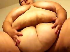 Huge SSBBW Shaking her belly