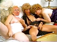Mature lesbians toying themselves
