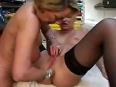 French gurl as lesbians toying and anal fisting