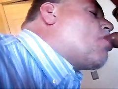 Daddy tifa dub sucks off latino chub