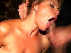 Beauty gets fucked real rough in sklave fisting porn