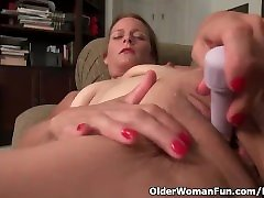 American milf Jayden Matthews dildos her cock and ball beating 18 pussy