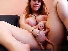 Amateur roasting olive whore masturbates to orgasm