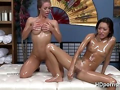 Oil filled pussy gets probed by self tcutie toy