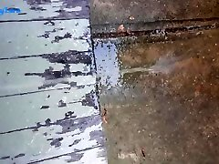 Peeing on the front step in broad daylight! Sneaky naked BBW public piss