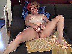 mage lisa Hoe Poppy Fingering Her fat hd minors Twat