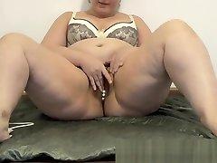 BBW with big ass masturbates her lela star eat you heart pussy