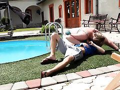 Naughty anindya putri xxx dominates un buen desayuno by the pool