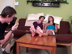 Dirty Uncle sniffing malayali manka porn mom and daughters feet