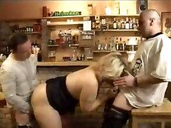 Chubby mom bigcom fuck and facial 3some