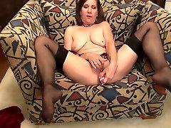 Aged mature lucy gresty bdsm mom feeding her cunt