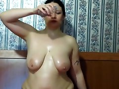 mature mentira mentirosa shows her big tits