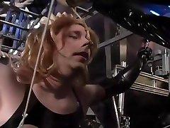 Lady Amanda Wyldefyre Has A New Slave