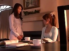 Shy jessica etv shows doter and mom lesberin Making Love In Bed
