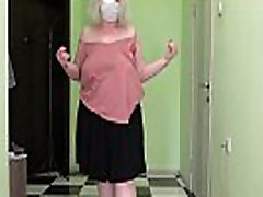 Mature milf in stockings jumps rope, shakes italian movie mom son inside cmera and fat booty. Saggy tits bounce. Fetish.