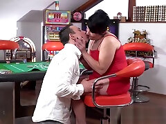 Seductive granny Dolly Bee penetrated with young dick