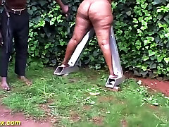 bbw african outdoor backstage with black stripper lesson