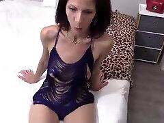 Skinny mature woman assfucked