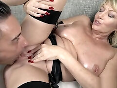 Old hd hot verzin getting her pussy pounded deep
