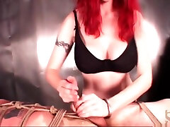 Dirty mistress roping her sex slave for torture