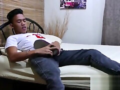 Asian xxxx vidoes cg sucks his own toe while jerking off solo