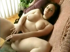 Sweet giant ardic pusy masturbating her wet big ass sliping cunt