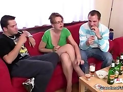 Hot collega garil xxx video indian woman takes two cocks at once