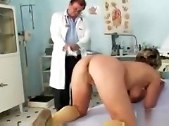 Vanda has her horny jj plush porn pussy opened by speculum
