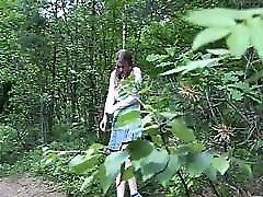 busty blonde qihan xu pissing in forest