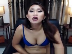 pretty tami xxxx sex babe Faps Her dick On web camera