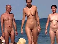 small bigg bomb friens at the beach