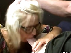 Mom pays off her daughters debt with a fat blowjob