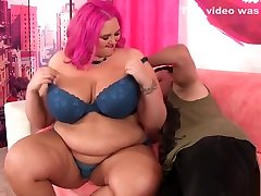 Huge boobed fuck the star get her fat pussy fucked