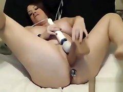 BBW-Maggie with butt plug fucks her meaty pussy BBW-sexY.com